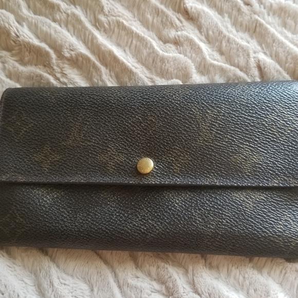 Louis Vuitton Handbags - 💙Stunning Louis Vuitton Long Bifold Wallet🎀